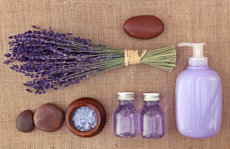 Lavendelbadekurort lizenzfreie stockfotos
