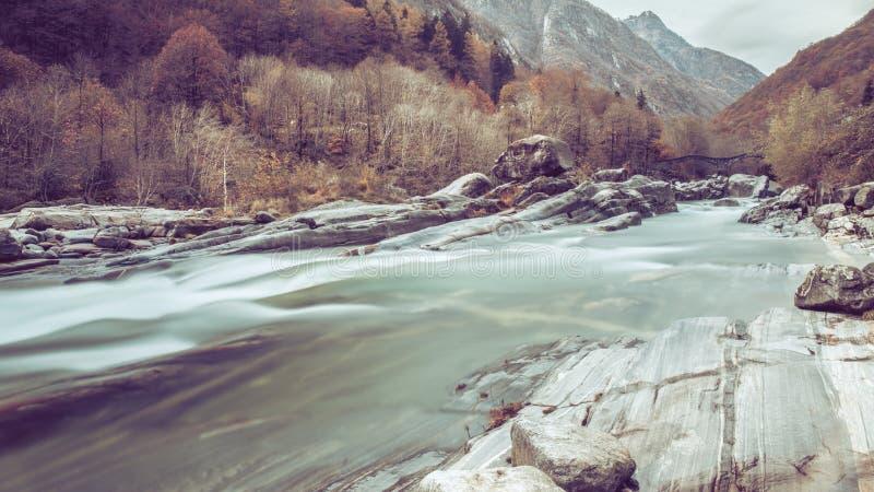 Lavertezzo Valle Verzasca - Suiza imagenes de archivo