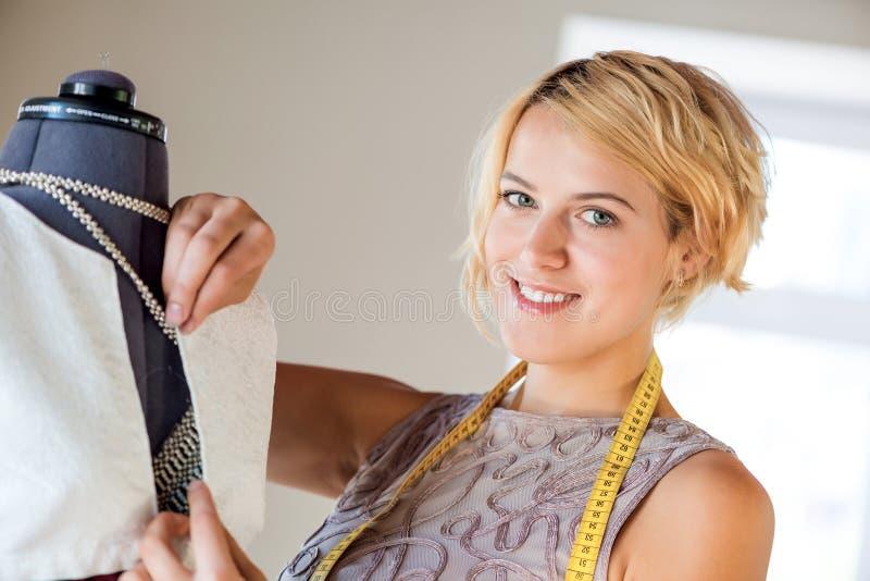 Lavoratore dell'atelier fotografie stock libere da diritti