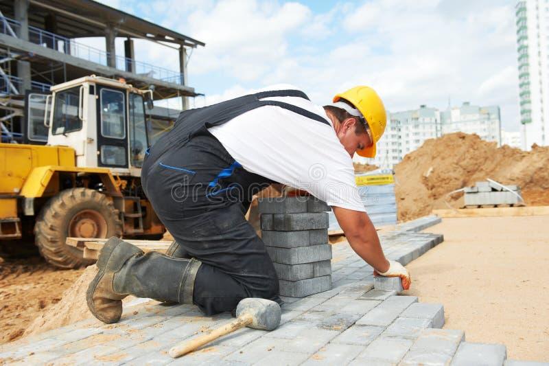 Lavori di costruzione della pavimentazione del marciapiede fotografie stock