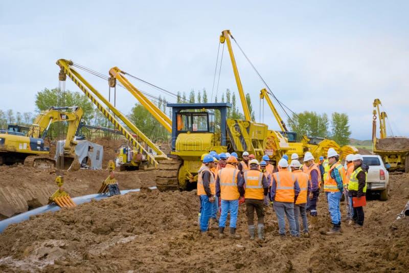 Lavori di costruzione sull'installazione della conduttura Installazione e costruzione del gasdotto immagini stock libere da diritti