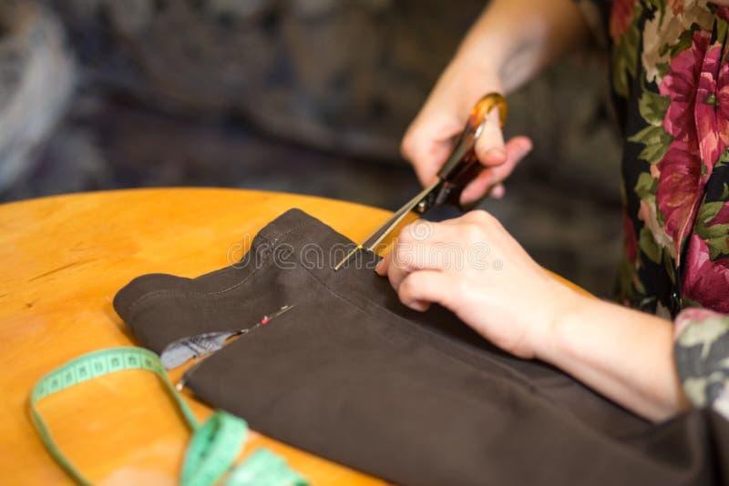 Lavoro del sarto. fotografia stock