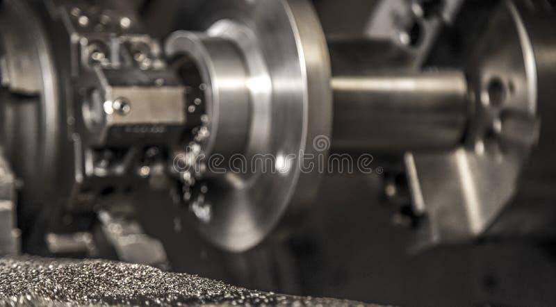 Lavoro della macchina del tornio di industria fotografie stock