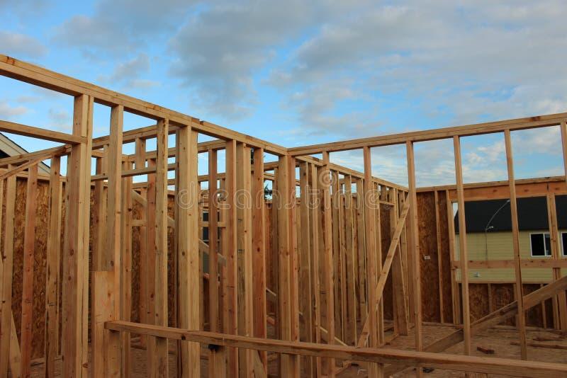 Lavoro della pagina della casa di legno fotografia stock
