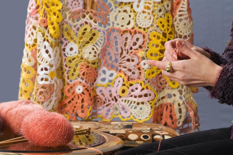 Lavoro a maglia dell'amo. immagini stock libere da diritti