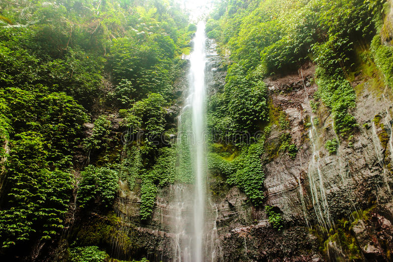 Lawe-Wasserfall lizenzfreie stockfotografie