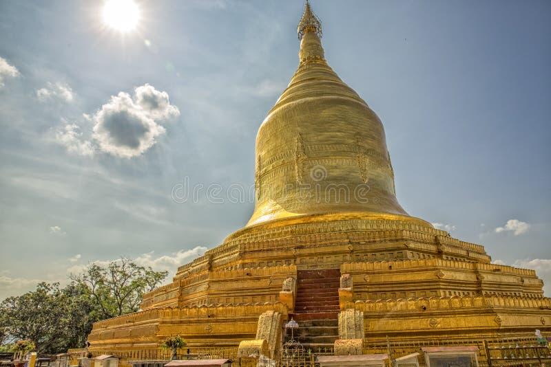 Lawka楠达金黄塔在蒲甘缅甸 免版税库存照片