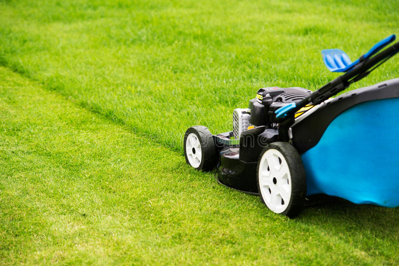 11 782 Lawn Mower Photos Free Royalty Free Stock Photos From Dreamstime