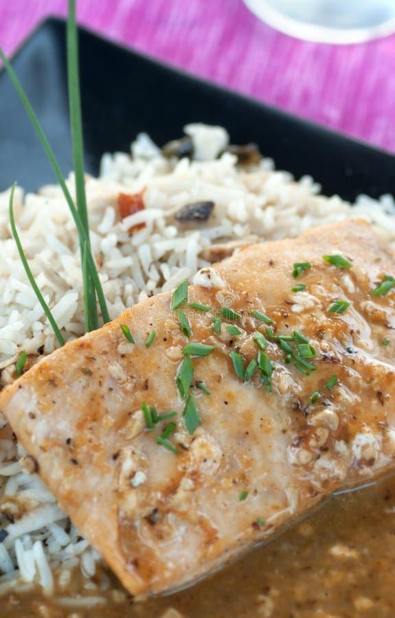 Lax med Rice arkivfoto