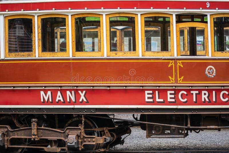 Laxey, ilha do homem, o 15 de junho de 2019 A estrada de ferro elétrica Manx é um bonde interurban elétrico que conecta Douglas,  imagens de stock