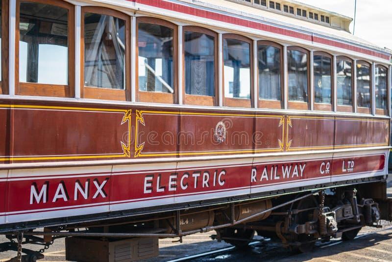 Laxey, ilha do homem, o 15 de junho de 2019 A estrada de ferro elétrica Manx é um bonde interurban elétrico que conecta Douglas,  fotos de stock royalty free
