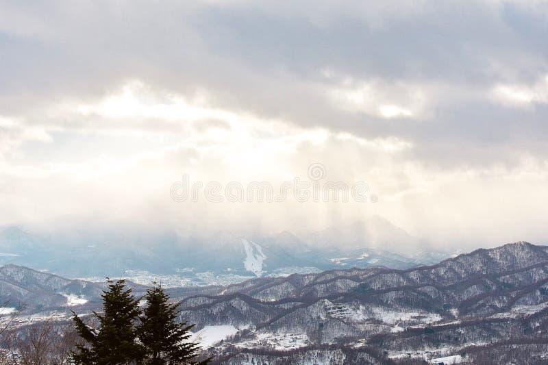 Layes hermosos de montañas fotografía de archivo