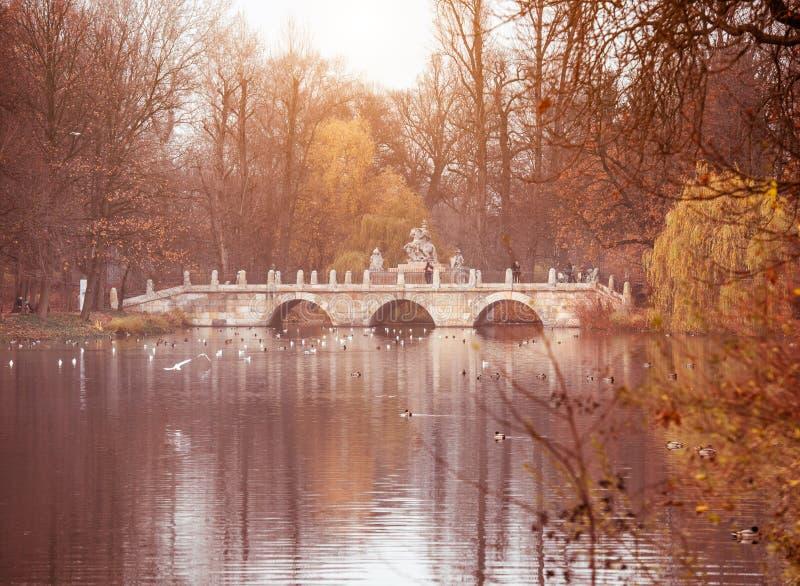 Lazienki Park in Warschau stockfoto