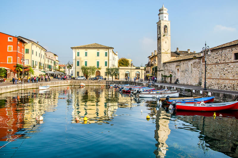 Lazise Lago di Garda Verona Veneto Italy royaltyfri fotografi