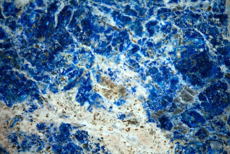 Lazurite mineralbakgrund royaltyfria bilder