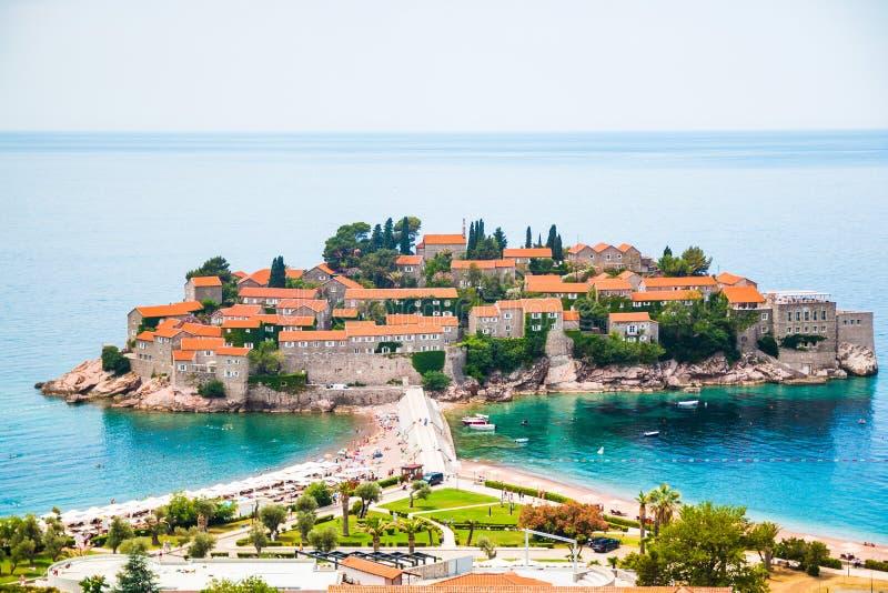 lazurowego pięknego budva wyspy Montenegro ranku nieba Stefan cichy sveti fotografia royalty free
