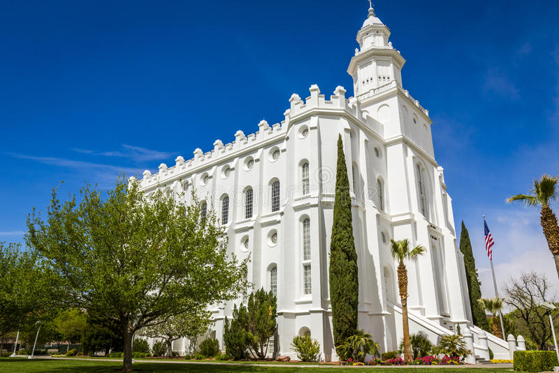 LDS-mormontempel i St George Utah royaltyfria bilder