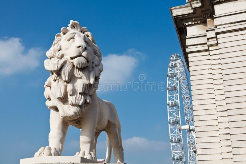 Leão de pedra fotografia de stock royalty free