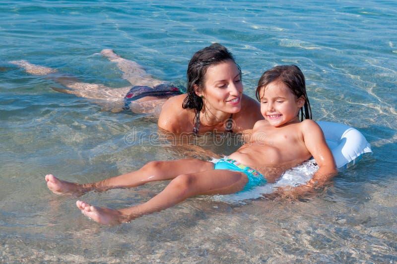 Leçon de natation photo libre de droits