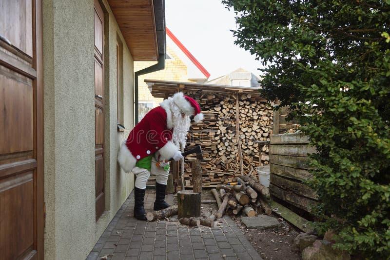 Leña de la fractura de Santa Claus foto de archivo