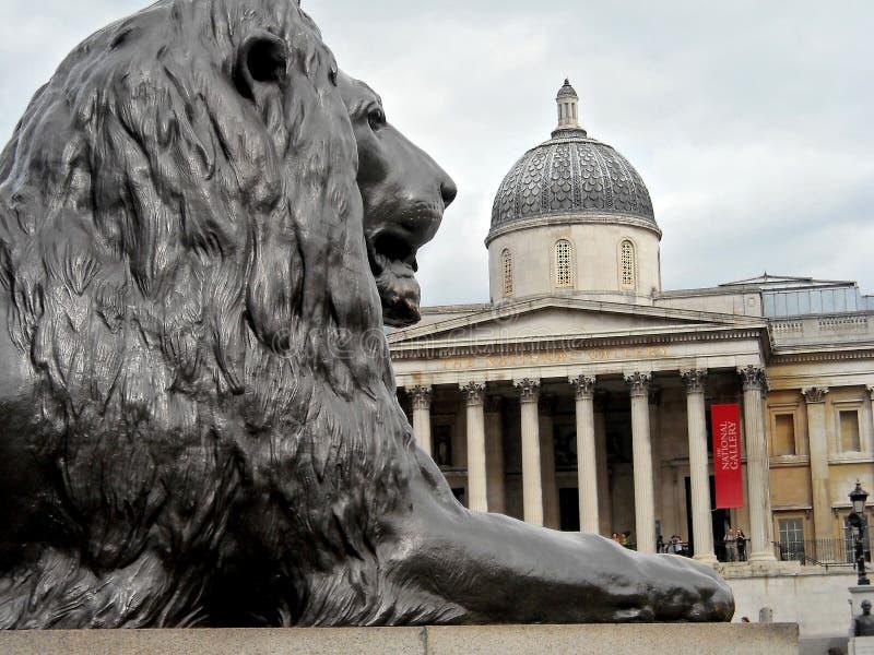 León de Londres A en cuadrado trafalgar fotografía de archivo