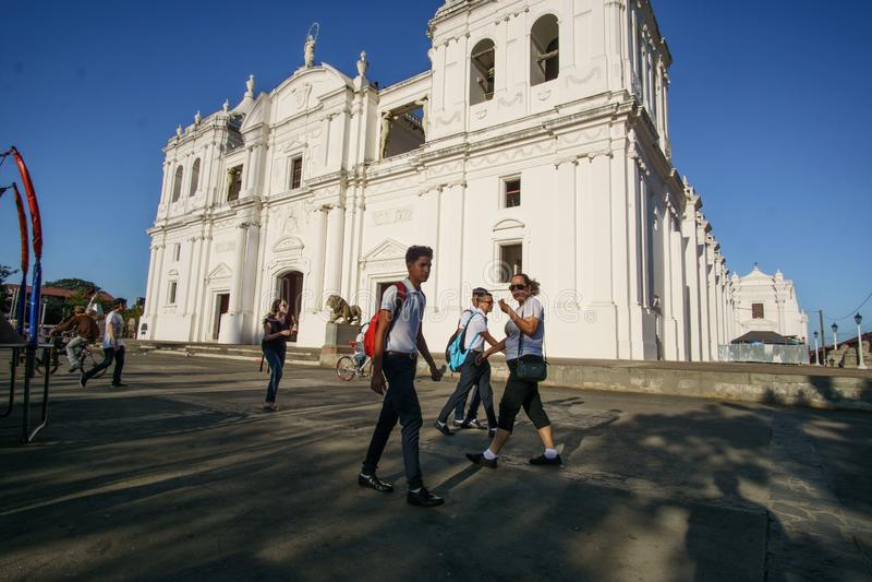 León, León, Nicaragua - 9 de marzo de 2018: Iglesia de la ciudad de León, Nicaragua fotos de archivo libres de regalías
