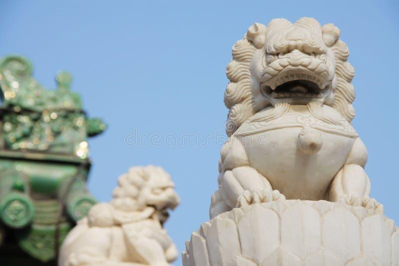 Leões de pedra fotografia de stock royalty free