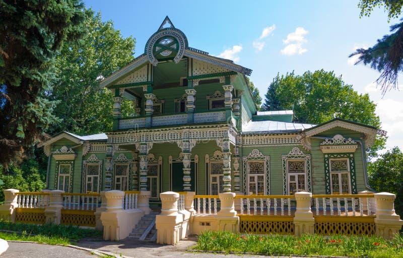 Le ¡ de Ð arved la maison en bois du propriétaire d'une scierie, un musée à Penza, Russie photos stock
