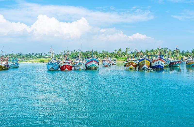 Le acque blu in porto fotografia stock libera da diritti