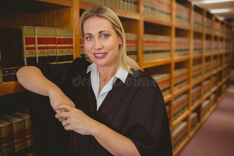 Le advokatbenägenhet på hylla royaltyfria bilder