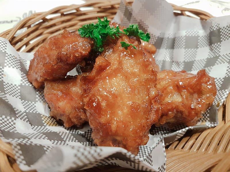Le ali di pollo sono il gusto molto delizioso fotografia stock libera da diritti