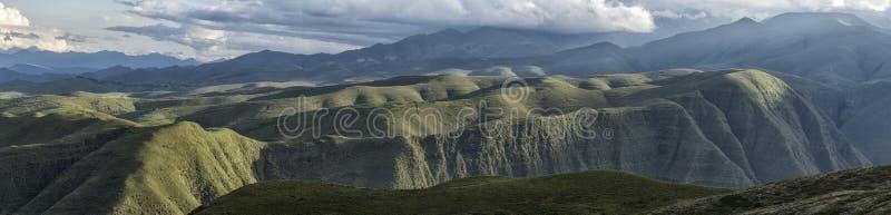 Le Ande intorno a Tarija immagini stock