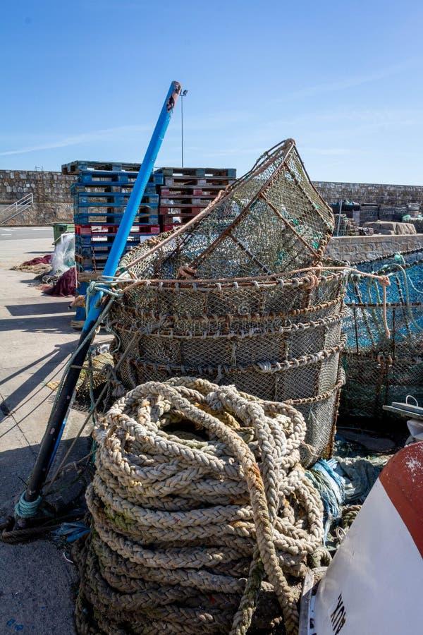 Le attrezzature di Fishermans nel porto di Laxe Spagna immagini stock