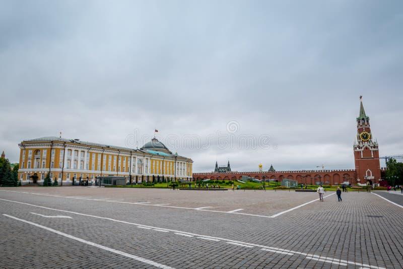 Le bâtiment à la place d'Ivanovskaya à Moscou Kremlin, Russie photos stock