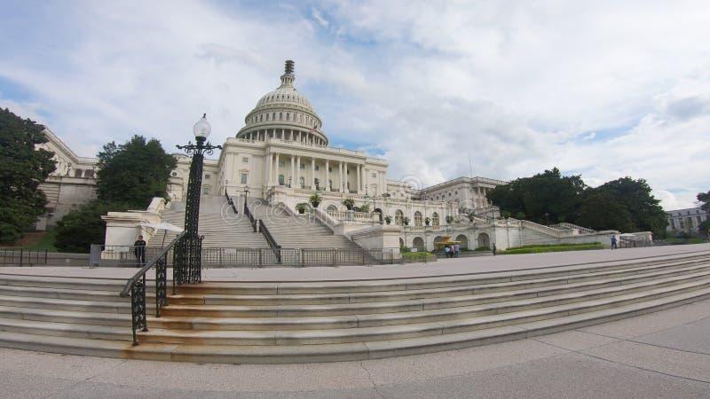 Le bâtiment capitale des Etats-Unis, le congrès a pêché le tir large - Washington DC grand-angulaire photos stock