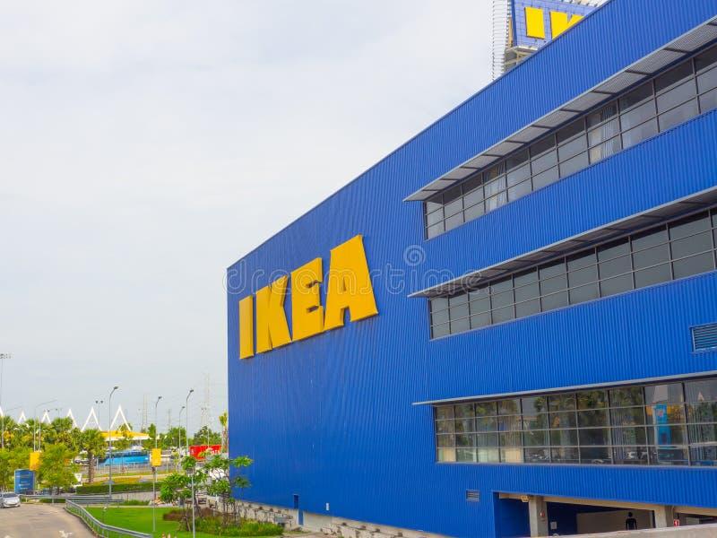 Le bâtiment de façade des ventes d'Ikea prêt-à-assemblent des meubles, des appareils de cuisine et des accessoires à la maison photo stock