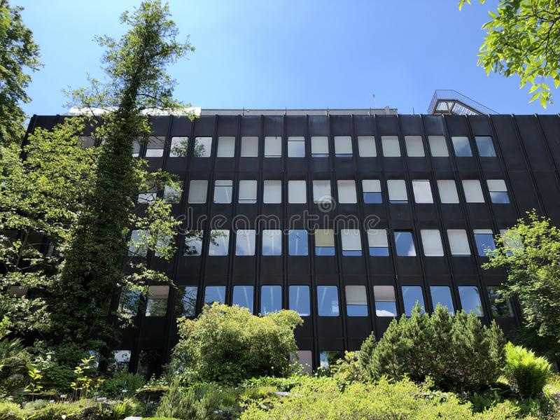 Le bâtiment de l'institut - jardin botanique de l'université du der Universitaet Zurich de Zurich ou de Botanischer Garten photos stock