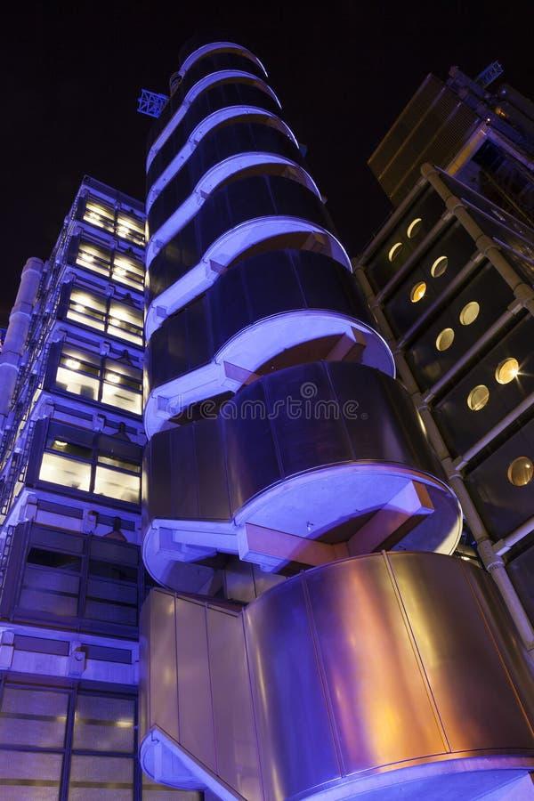 Le bâtiment de Lloyd's la nuit photographie stock libre de droits