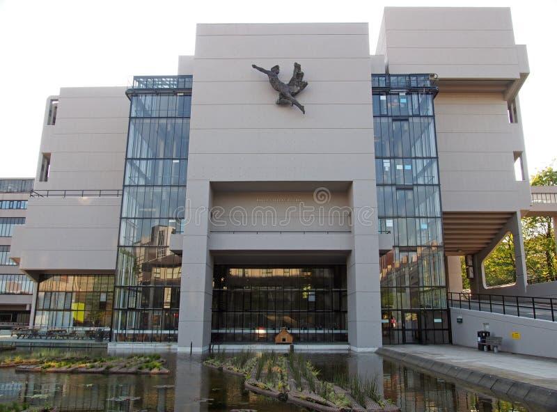 Le bâtiment de Roger Stevens à l'université de Leeds un bâtiment en béton de brutalist par le chambellan powell et la fève 1970 image stock