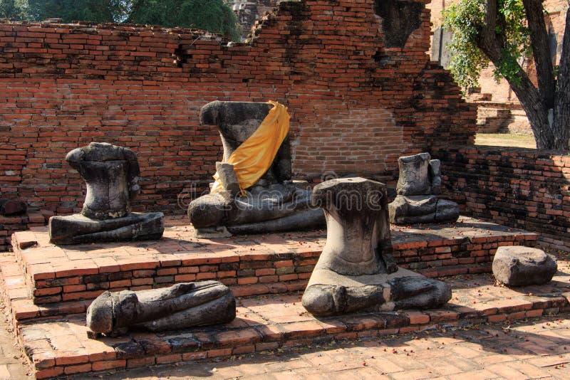 Le bâtiment de ville restent, Bouddha que la statue restent de Wat Phra Sri Sanphet Temple à Ayutthaya, Thaïlande (Phra Nakhon SI photos libres de droits