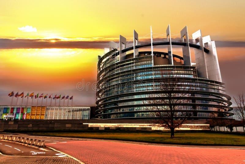 Le bâtiment du Parlement européen images stock