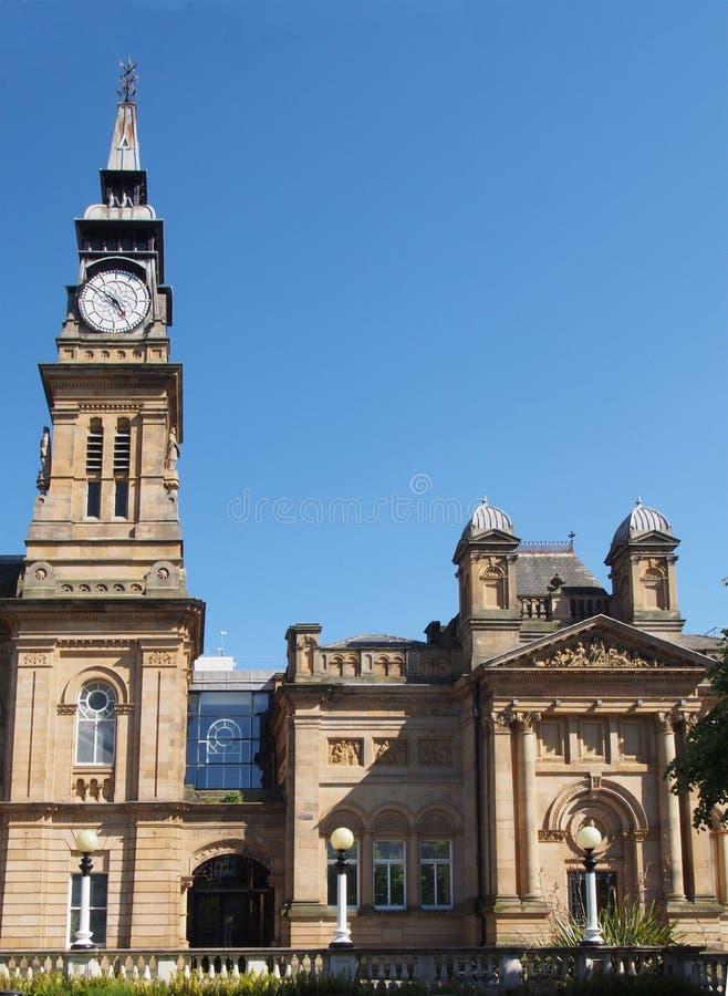Le bâtiment historique d'atkinson sur le southport de rue de seigneur avec avec la tour d'horloge grande contre un ciel bleu d'ét photos stock