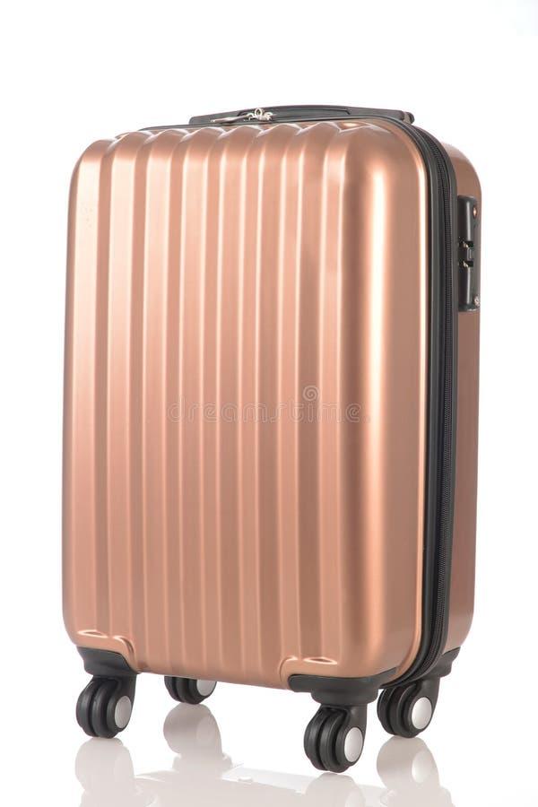 Le bagage se composant de grands sacs à dos à valises et le voyage mettent en sac d'isolement sur le blanc image libre de droits