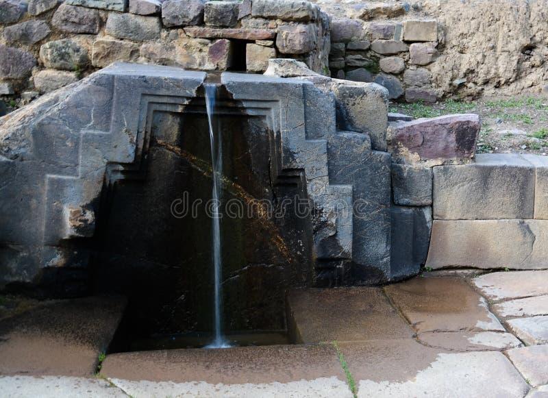 Le bain de la fontaine de princesse au site archéologique d'Ollantaytambo, Cuzco, Pérou photographie stock