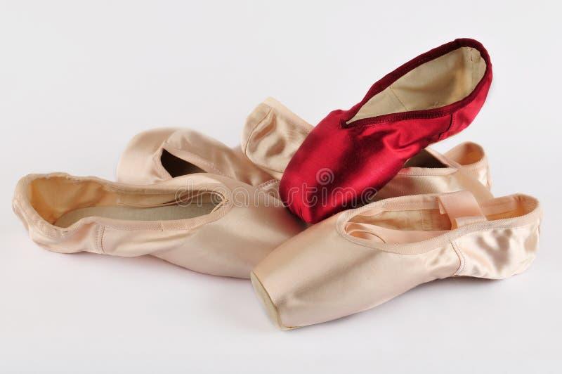 le ballet d'isolement chausse le blanc images libres de droits