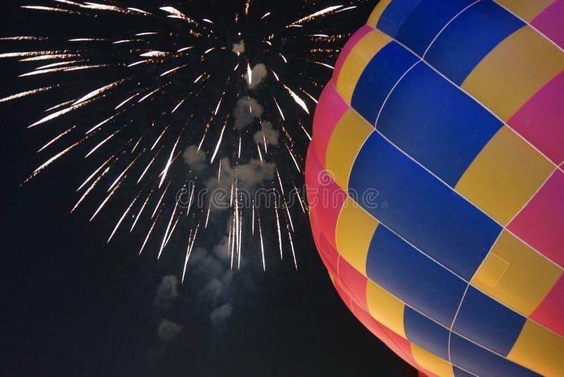 Le ballon à air chaud photgrphed chez le Bealton, fête aérienne de cirque de vol de VA photographie stock