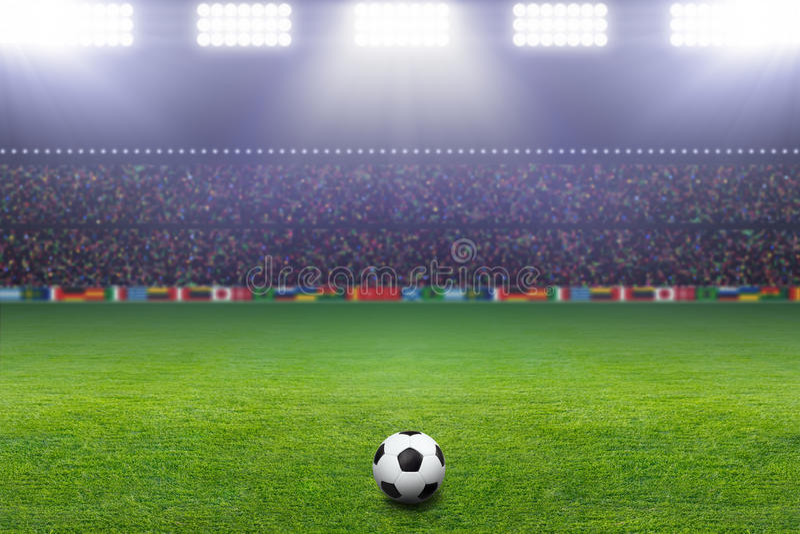 Ballon de football, stade, lumière images stock