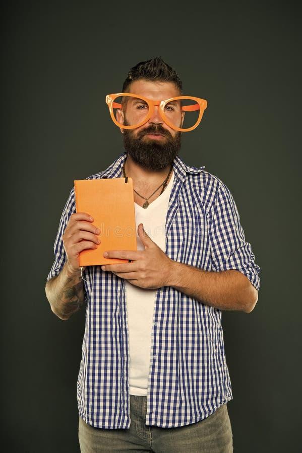 Le ballot est le nouveau se refroidissent Livre de participation de ballot d'?tude Ballot de livre portant les lunettes de fantai photos libres de droits