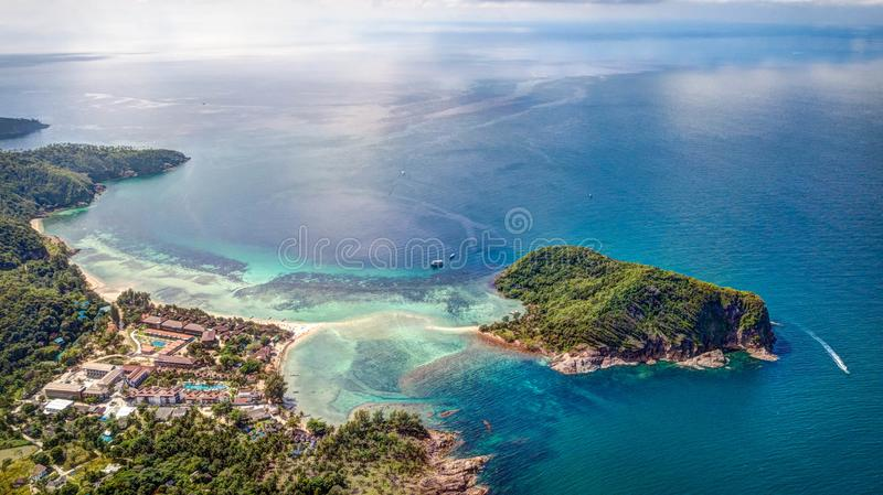 Le banc de sable vers l'île photographie stock libre de droits