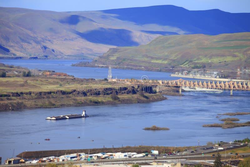 Le barrage de Dalles et le fleuve, Orégon. image libre de droits